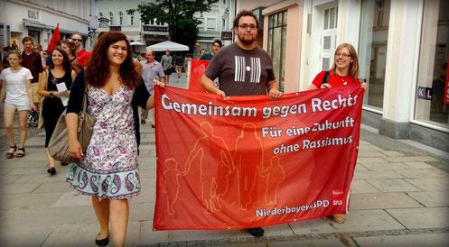 Unsere Juso-HSG-Mitglieder Lisa und Valentin zusammen mit Katja Reitmaier (SPD) (v.l.n.r.)