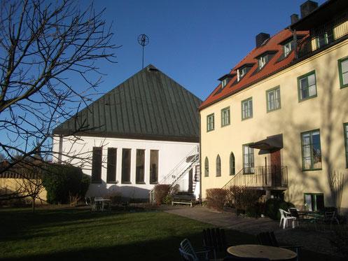 Die Kirche und das Gästeheim der Birgittaschwestern in Vadstena