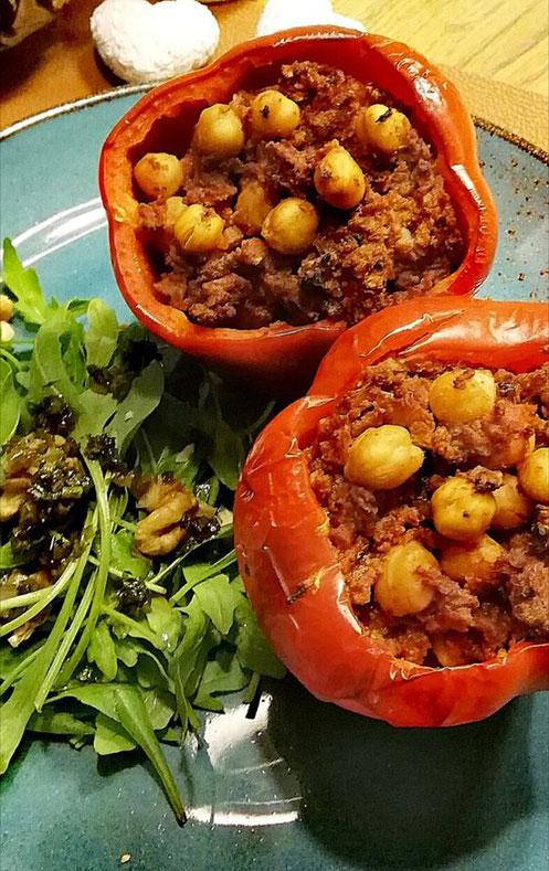 Peperoni gefüllt mit Quorn und Kichererbsen