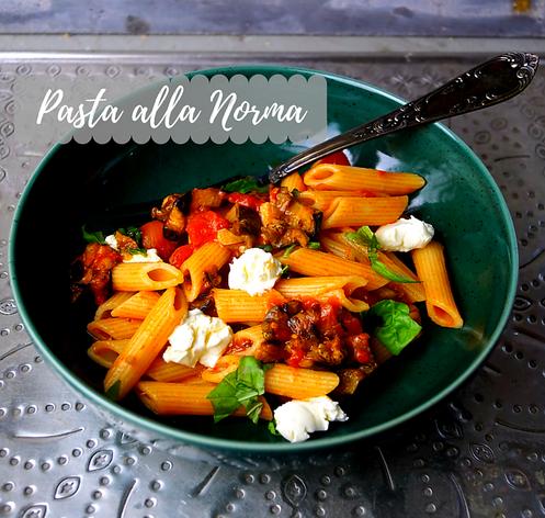 Pasta alla Norma - Penne, Auberginen und herrlich fruchtige Tomatensoße