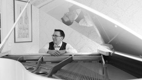 Pianist, Komponist und Klavierlehrer Reimund Merkens in Köln Esch, Pesch, Auweiler