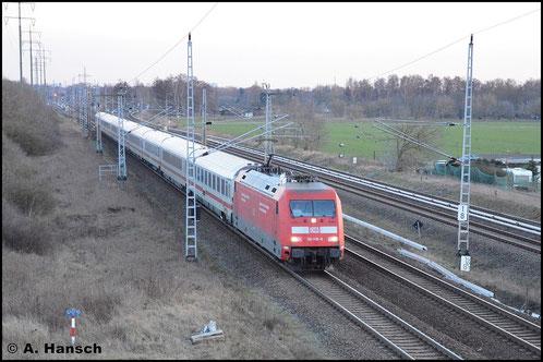 6. Februar 2016 in Berlin, Französisch Buchholz: 101 119-6 fährt mit einem IC stadtauswärts