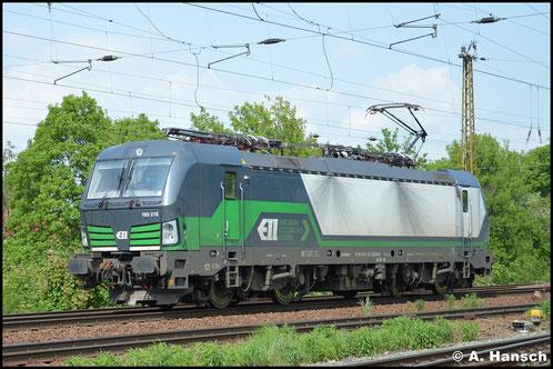 Die Multisystemlok 193 215-1 durchfährt als Lz am 11. Mai 2016 Leipzig-Wiederitzsch