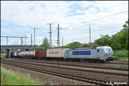 383 406-6 rollt mit Containerzug durch Luth. Wittenberg Hbf. (06.06.2020)