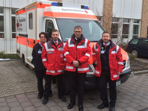 Das Notarztteam für die Kanzlerin: v.l.n.r Ulrike Jakob, Michael Honig, Dr. Dieter Quick und Bereitschaftsleiter Wolfgang Potsch