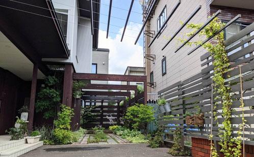 札幌であとりえ柚子香を主宰する谷淳子はハーブとアロマを暮らしに取り入れる講座を開催中。