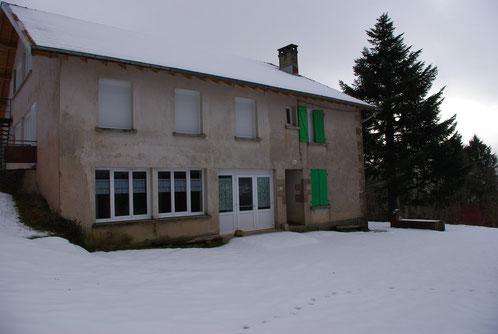 le bâtiment principal en hiver