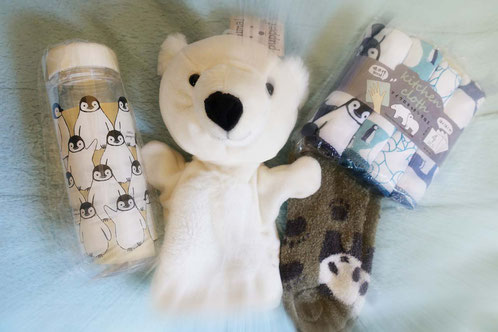 私たちがOPENセールで購入した商品だよ♪シロクマさんのパペットが特にカワイイ、私のお気に入りだよ。