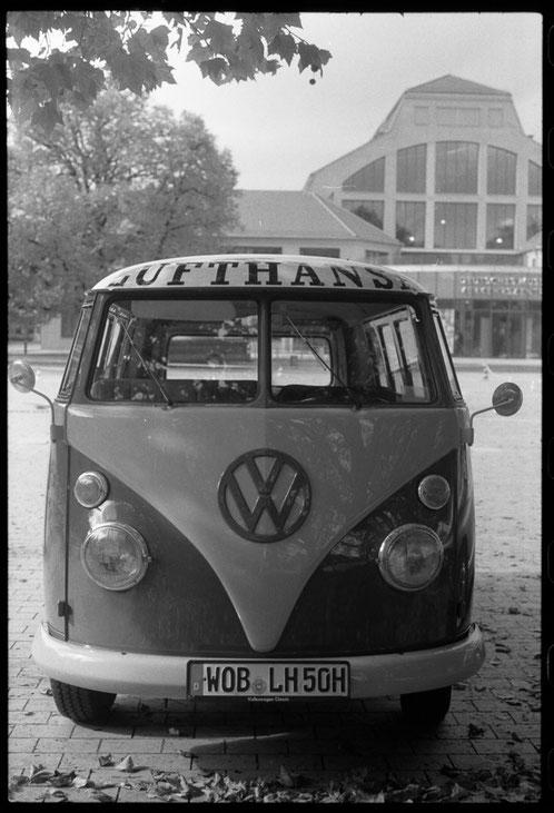 VW Bulli - Verkehrsmuseum München - APX 400 - XTol - Minolta XE-1