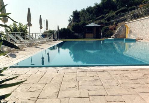 Pavimento stampato effetto pietra regolare, bordo piscina, Blanco srl Modica ragusa