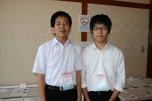 左から原田宏哉くん、高野瑛世くん(2年)
