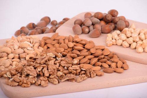 Ölsaaten, Nüsse enthalten B-Vitamine