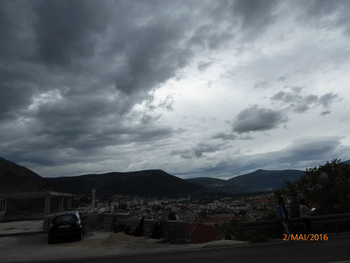 Bedrohlich zogen die Wolken über Mostar