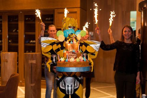 аниматоры трансформеры оптимус и бамблби для детей на детский праздник день рождения ребенка