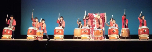 27年 審査員特別賞の伝統文化体験教室(太鼓)のみなさん
