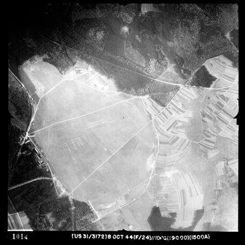 Der Einsatzhafen Merzhausen. Aufgenommen im Oktober 1944 durch die USAAF.