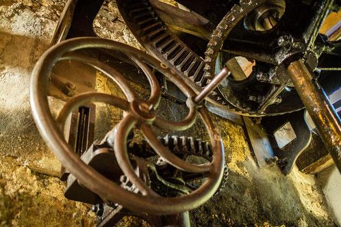 machinerie du moulin à papier de brousses et villaret dans l'Aude