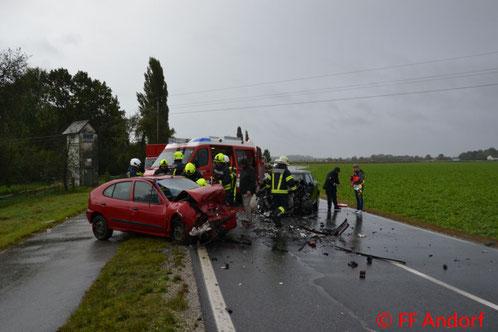 Feuerwehr; Blaulicht; FF Andorf; Verkehrsunfall; Landesstraße;