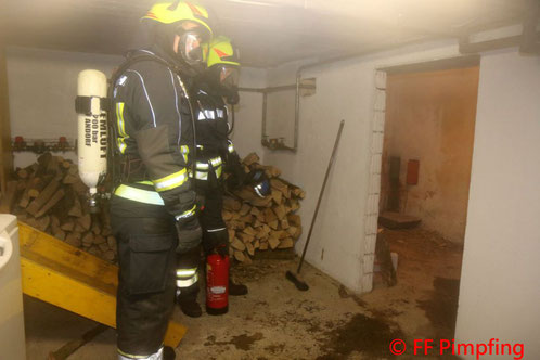 Feuerwehr; Blaulicht; FF Andorf; Brand; Verpuffung; Wohnhaus;