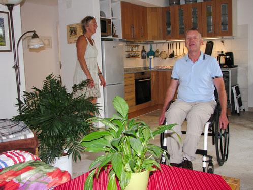 Auch Rollstuhlfahrer kommen in der Ferienwohnung Regenbogen gut zurecht. Foto; Klaus Kochendörfer