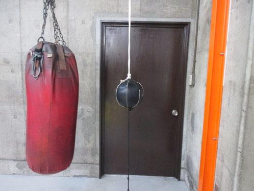 ボクシングはバランスの競技、ダブルエンドパンチングボール