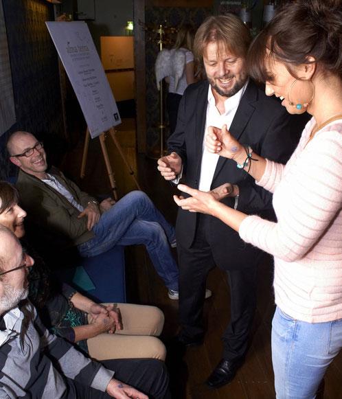 Christian Knudsen, Zauberer ais Hamburg, beim Liveauftritt