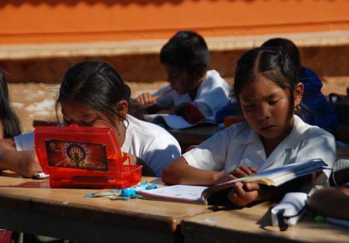 Santi Tour engagiert sich für die Schulbildung von Kindern in Mexiko