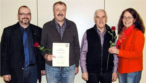Ehrungen - Rudi Endres 50 J. / Herbert Mack  10 J. - 2016 (links Bgm Martin Link, rechts VS Silvia Klösel)