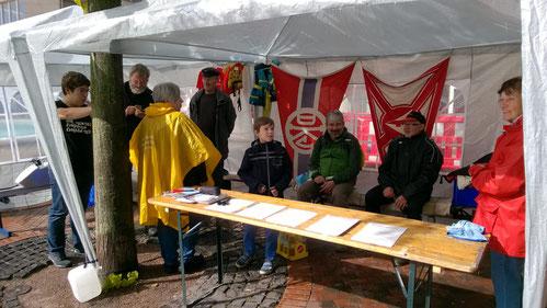 "9. Sept. 2017, Vollversammlung am FWF-Infostand bei ""Duisburg bewegt sich"""