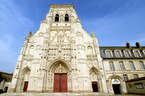Somme Groupes - abbaye Saint Riquier - Scolaires - Voyages en groupes - Activités - Somme - Groupes - Hauts de France - Picardie - Histoire