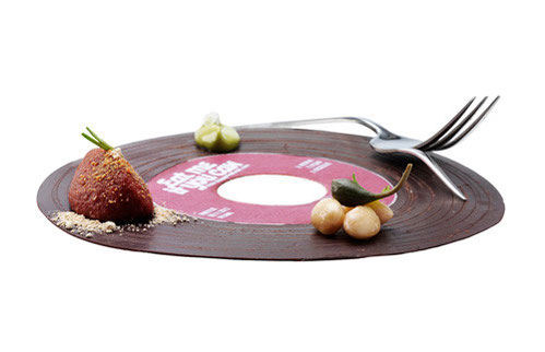 piatto a forma di disco con cibo
