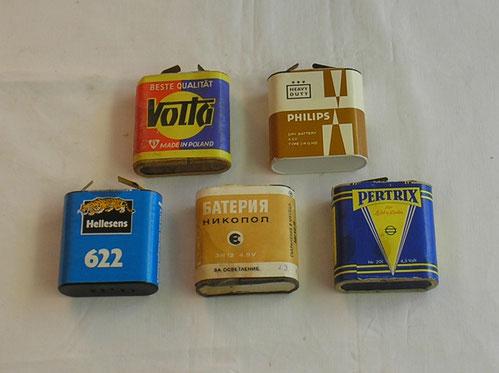 Verschiedene - Batterien - Taschenlampen Batterien flach mit 4,5 Volt Spannung.