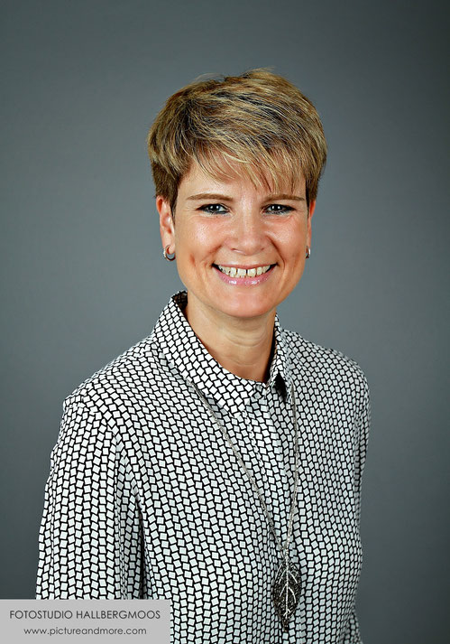 Business Portraits - Fotostudio Hallbergmoos Iris Besemer www.pictureandmore.com