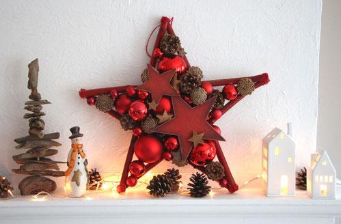 Stern-Weihnachtsdekoration in rot - natur