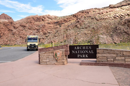 Entrance to the Arches Nat'l Park