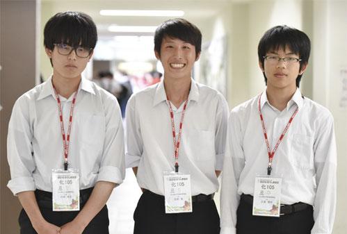 左から 小田哲士くん(2年)、吉武聖くん(2年)、江波悠介くん(2年)
