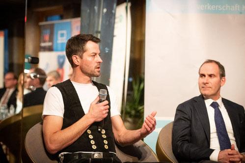 """Handwerker des Jahres Florian Brönnecke in der Gesprächsrunde bei der Preisverleihung """"DIE BESTEN 2020"""""""