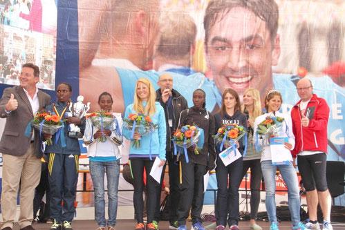 Jana Groß-Hardt (3. v. l.) lief unmittelbar nach den Afrikanerinnen auf den dritten Rang.