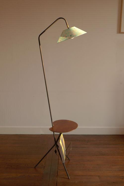 JOLI, lampadaire vintage, Liseuse tripode, tripode, rotule, tablette, porte-revue
