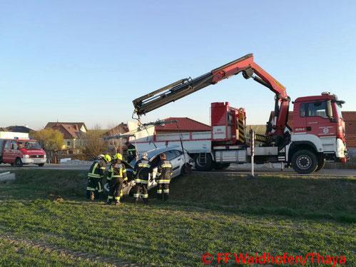 Feuerwehr, Blaulicht, Unfall, Waidhofen an der Thaya, L60, Matzles