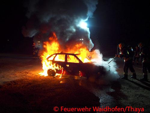 Feuerwehr, Blaulicht, FF Waidhofen/Thaya, Brand, Handyakku, Landesklinikum