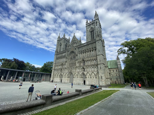 Der Nidarosdom ist eines der bekanntesten Wahrzeichen von Trondheim. Am Samstag fand hier die Bischofsweihe statt.
