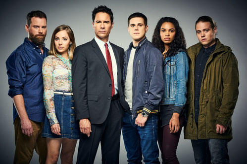 Publicity still of the cast of the TV series Travelers.