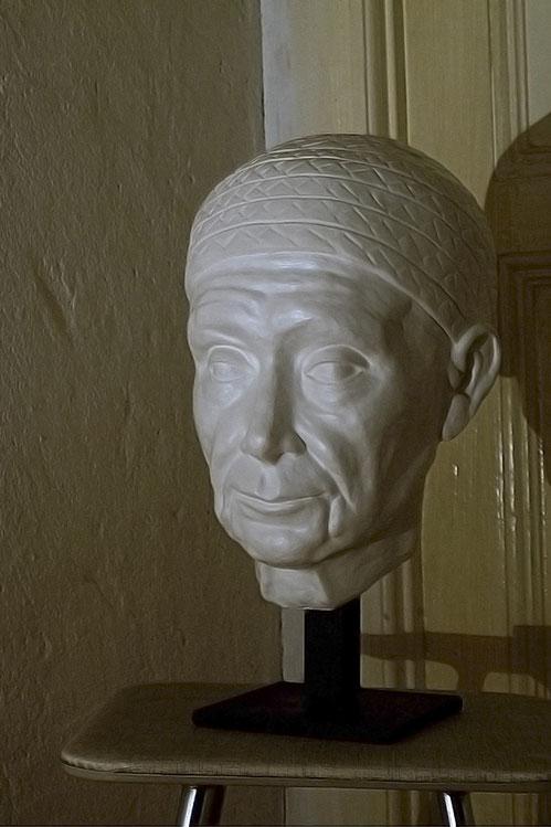 Portrait 'Alte Frau' // Bildhauerei: Deike Heeren // Gips, H 40 cm