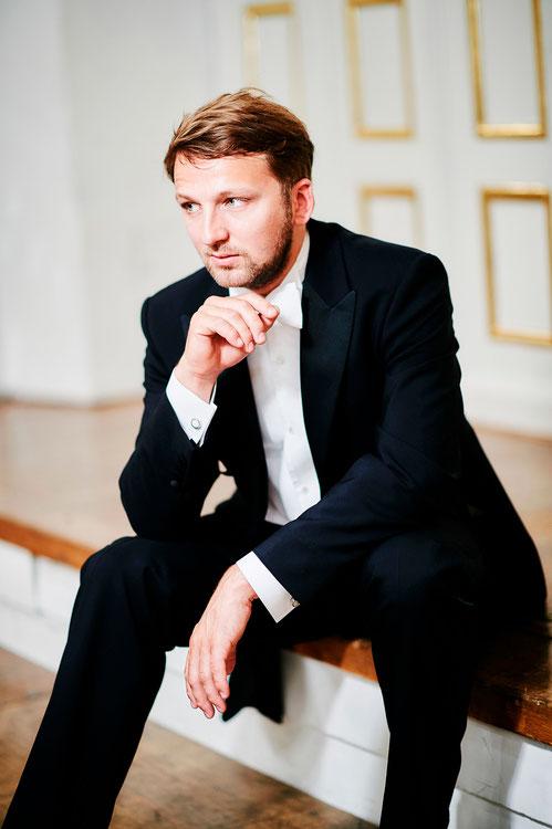 JOHANNES WILHELM, Pianist