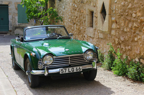Triumph TR4 A IRS for rent in Provence