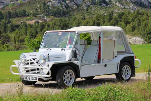 Austin Mini-Moke for rent in Provence