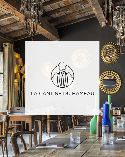 Le Camion Bleu du Hameau, summer food truck restaurant at Paradou
