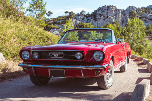Ford Mustang Cabriolet 66 for rent in Provence