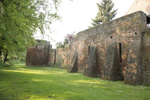 z.B. die neu Beleuchtung der Stadtmauer